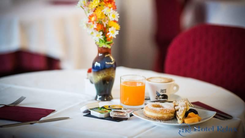 hotel-relax-rome-breakfast-9296