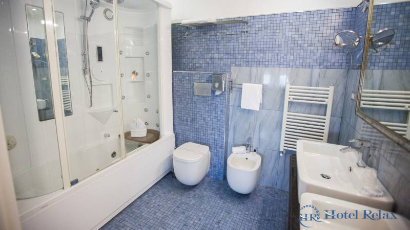 hotel-relax-rome-bathroom-8697
